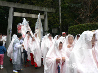 女性のシンボルがモチーフ「大縣神社豊年祭 2006」【愛知】
