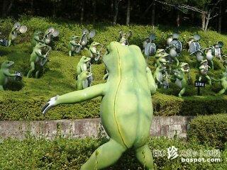 蛙、猫、河童のオーケストラ!? 仏教の満漢全席「大観音寺」【三重】