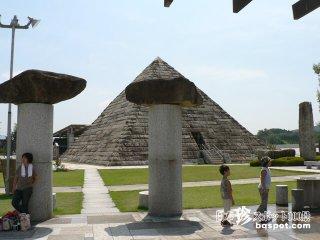 岐阜にピラミッド出現! 石の総合テーマパーク「博石館」【岐阜】