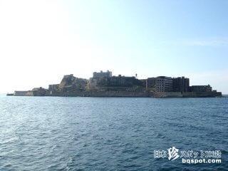かつて世界一の人口密度だったコンクリート廃墟島「軍艦島」【長崎】