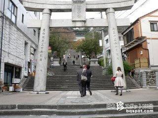 良縁に恵まれる男根石と女陰石を踏みしめろ!「諏訪神社」【長崎】