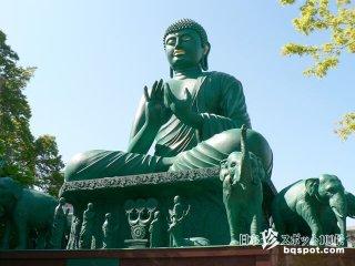 真緑の大仏様と無数の男根のあるお寺「桃巌寺・名古屋大仏」【愛知】