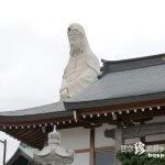 車窓から見える大きくて白い人「厄よけ魚籃観音」【神奈川】