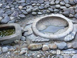 斉明天皇の道教への憧れ「飛鳥奇石群(2)亀形石造物」【奈良】