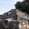 住宅街に突如現れるエキゾチックなピラミッド「頭塔」【奈良】