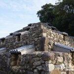住宅街に突如現れる不思議なピラミッド「頭塔(ずとう)」【奈良】