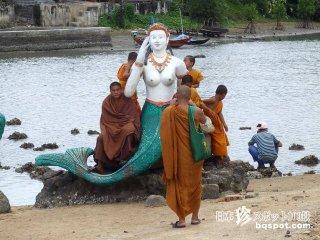 納得出来ない人魚伝説「ワット・プラヤイ寺院2」【タイ】