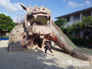 地元民に愛される迫力シーサー「シーサー児童公園」【沖縄本島】