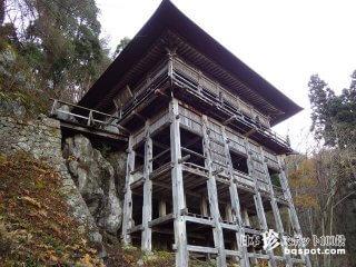 驚異の建築! 心霊スポットよりも震える「左下観音堂」【福島】