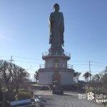 琵琶湖に背を向けて立つ28mの巨大仏「長浜びわこ大仏」【滋賀】