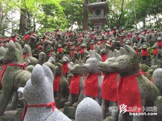金運大アップ! お狐さまいっぱいの霊狐塚「豊川稲荷」【愛知】