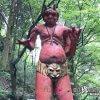 探訪は自己責任で! 秘境にある珍妙カラフルな像「清水滝」【熊本】