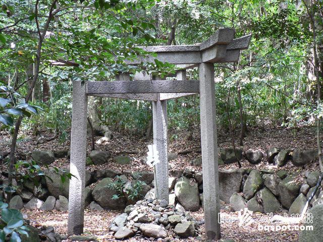 三柱鳥居 蚕の社 木嶋神社